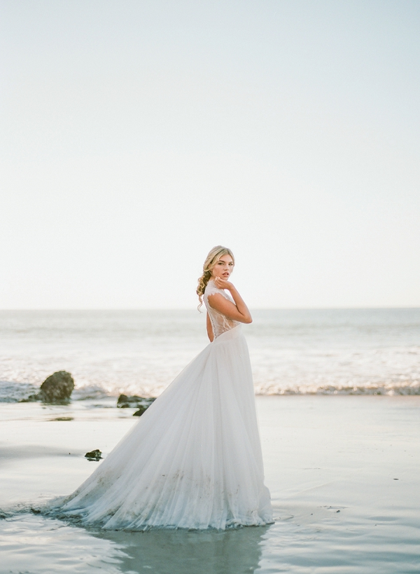 Romantic Beach Wedding Dress | Malibu Seaside Inspired Bridal Editorial by Jeremy Chou Photography