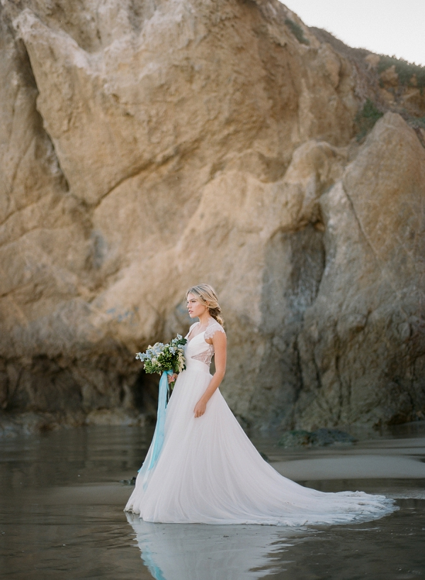 Elegant Wedding Dress and Bouquet | Malibu Seaside Inspired Bridal Editorial by Jeremy Chou Photography