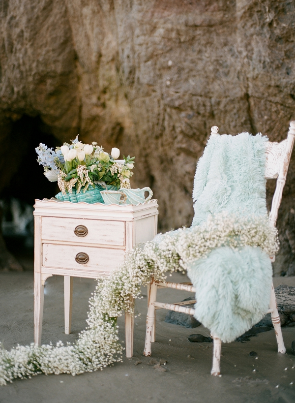 Elegant Coastal Ideas | Malibu Seaside Inspired Bridal Editorial by Jeremy Chou Photography