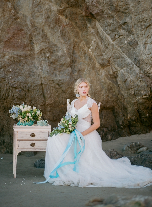 Seaside Inspired Bridal | Malibu Seaside Inspired Bridal Editorial by Jeremy Chou Photography