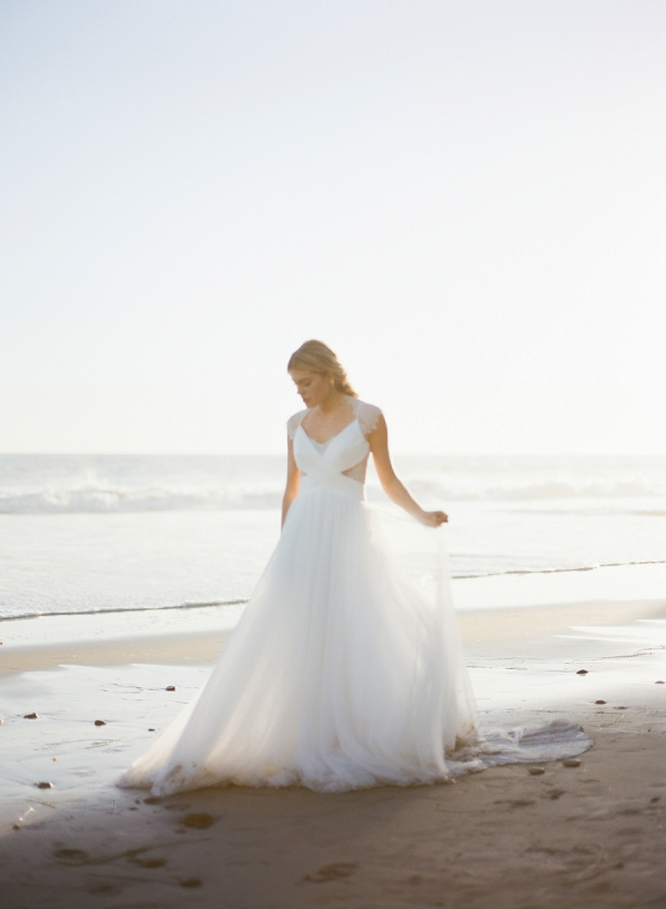 Jinza Bridal Wedding Dress | Malibu Seaside Inspired Bridal Editorial by Jeremy Chou Photography