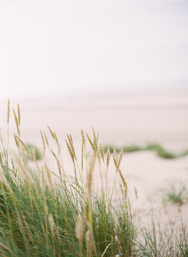 Beach Setting   Romantic Coastal Editorial Inspired by Shakespeare from Julie Michaelsen Photography