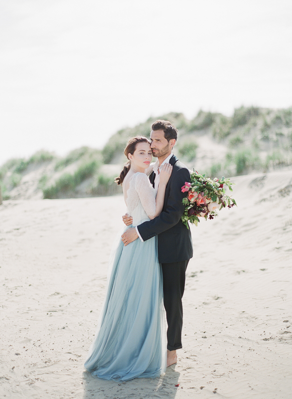 Beach Wedding Inspiration   Romantic Coastal Editorial Inspired by Shakespeare from Julie Michaelsen Photography