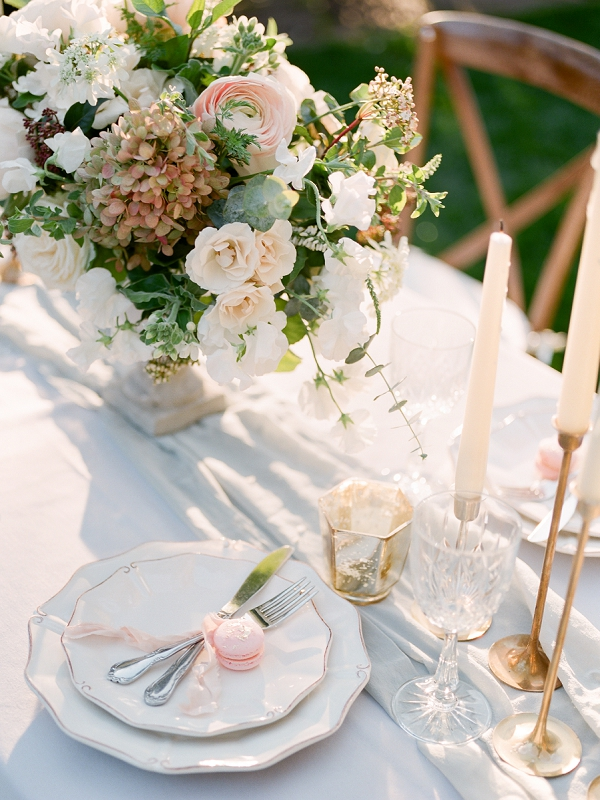 Place Setting and Centerpiece | Secret Garden Wedding Insiration by Kate Anfinson Photography and Natalie Choi Events