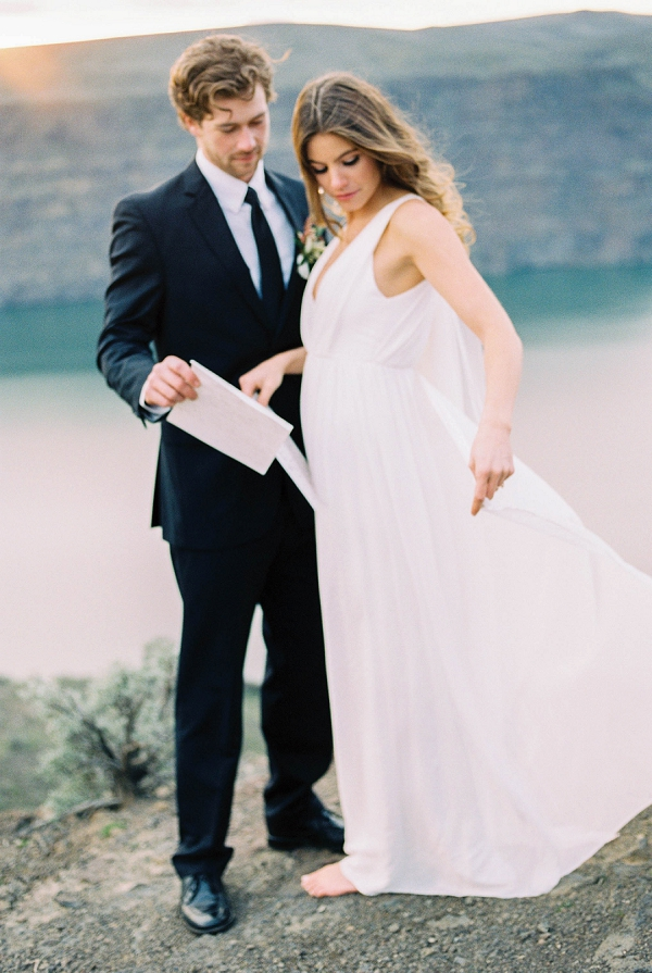 Elopement Inspiration | Desert and Sage Organic Wedding Inspiration from Kerry Jeanne Photography