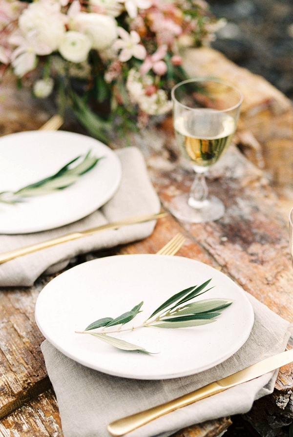 Place Setting Ideas | Desert and Sage Organic Wedding Inspiration from Kerry Jeanne Photography
