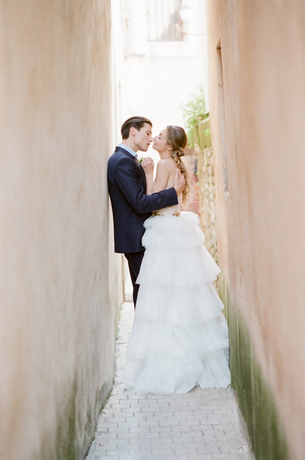 Bride and Groom Photo Ideas | Romantic Day After Wedding Inspiration In Provence by Tamara Gruner Photography