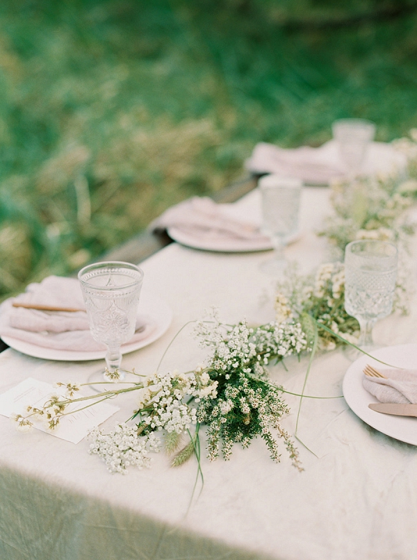 Simple Tablescape Details | Romantic Wedding Inspiration on the Oregon Coast from Cassie Valente Photography