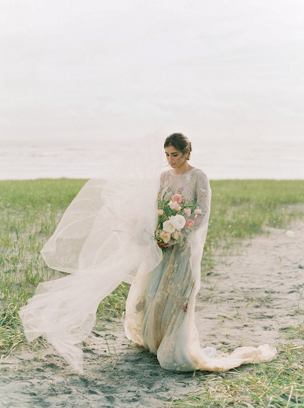 Ethereal Bride | Romantic Wedding Inspiration on the Oregon Coast from Cassie Valente Photography