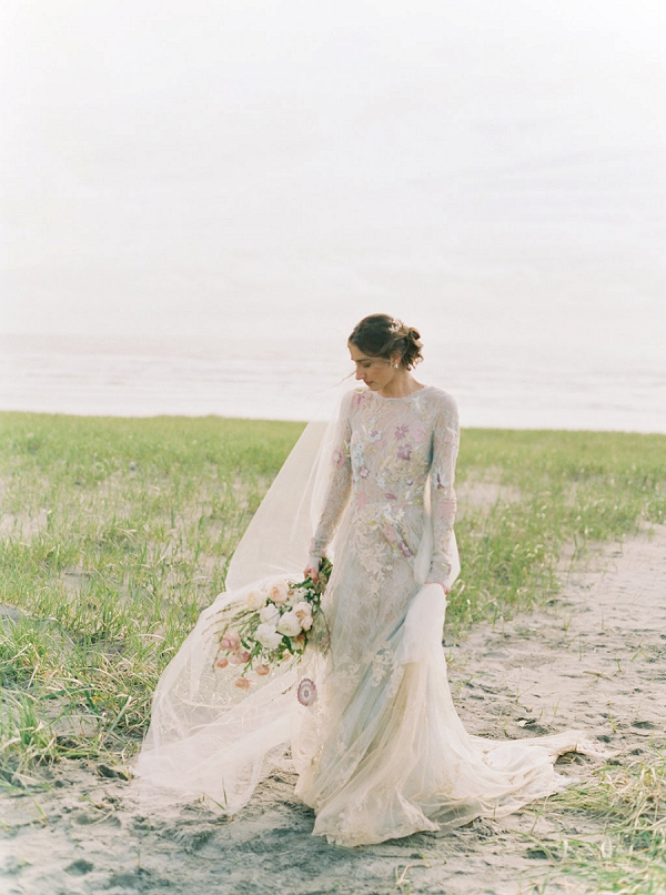 Claire la Faye Wedding Dress | Romantic Wedding Inspiration on the Oregon Coast from Cassie Valente Photography