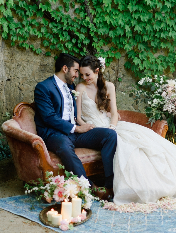 Intimate and Pretty Setting | Romantic Whetstone Winery Editorial By © Justina Bilodeau Photography