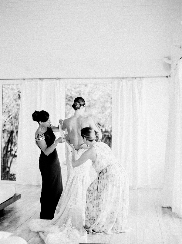 Bride Getting Ready | Glamorous Wedding Weekend in the Bahamas by Hunter Ryan Photography