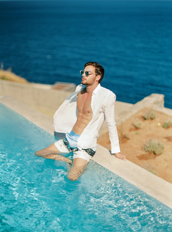 Poolside in Greece | Seaside Elopement Inspiration by Darya Kamalova of Thecablookfotolab
