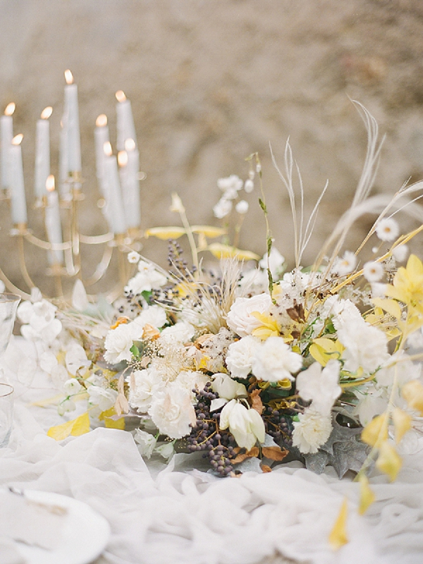 Rose Centerpiece | Lost In Spain Wedding Editorial with Elisabeth Van Lent Photography
