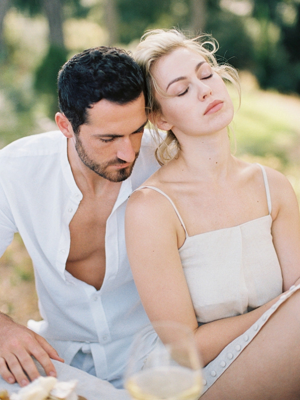 Romantic Couples Session in Provence by K R Moreno Photography