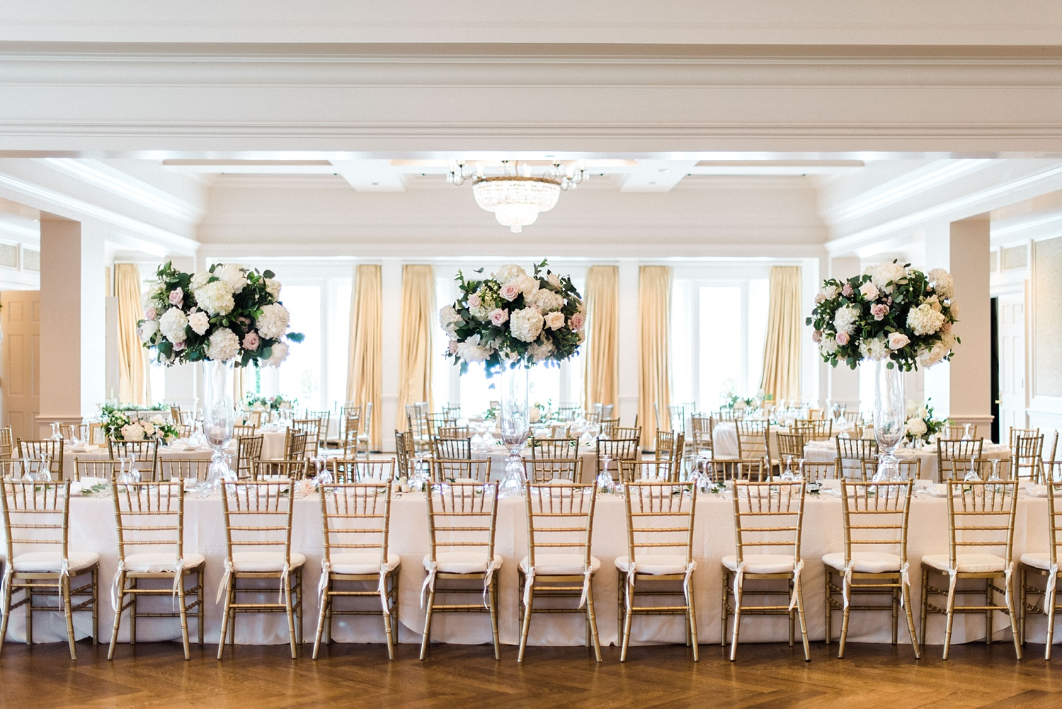 Enhancing the Look of a Banquet Hall With Curtains